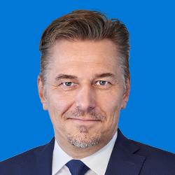 Bernard Günthner headshot